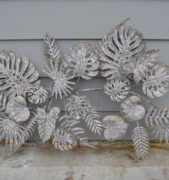 Weathered Galvanized Leaf Wall Decor