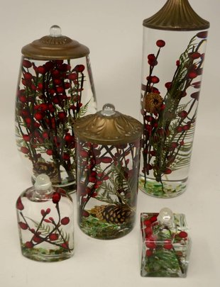 Red Berry Fern Lifetime Oil Candle (5 Sizes)