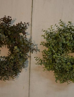 Mini Eucalyptus Wreath (2 Colors)