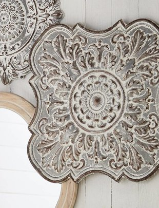 Distressed Galvanized Wall Medallion
