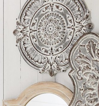 Distressed Round Galvanized Wall Medallion
