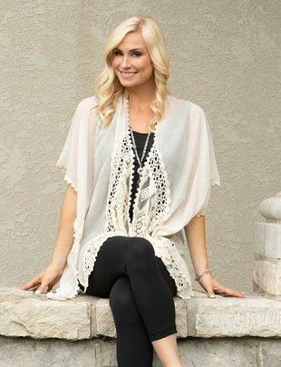Charlotte Crochet Lace Wrap ( 2 Colors)