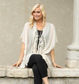 Charlotte Crochet Lace Wrap ( 2 Colors)