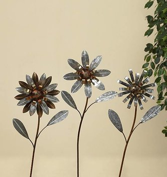 Small Galvanized Flower Yard Stake (3 Styles)