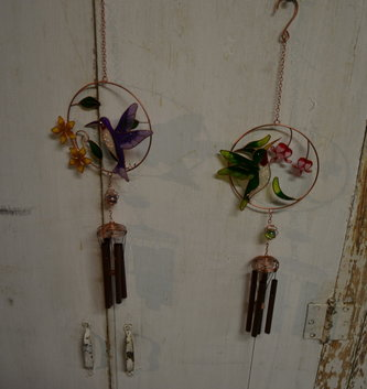 Glitter Floral Hummingbird Chime (2 Colors)
