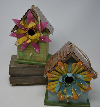 Whimsical Metal Flower Birdhouse (2 Styles)