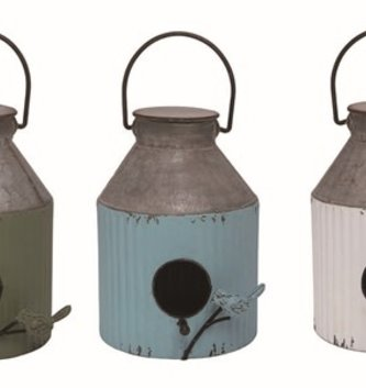 Ridged Painted Metal Birdhouse (3 Colors)