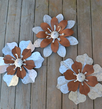 Brown and Silver Metal Wall Flower (5 Styles)
