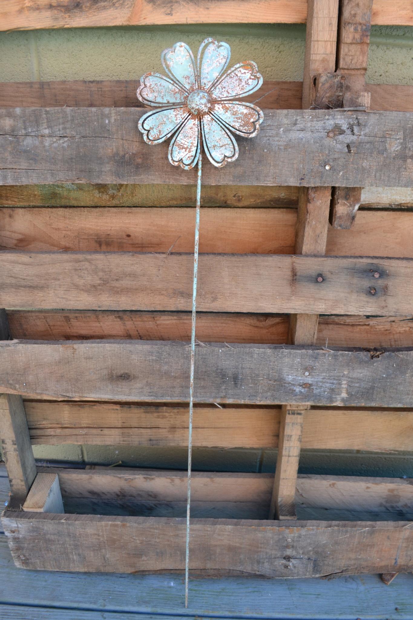 Medium Rustic Flower Stake