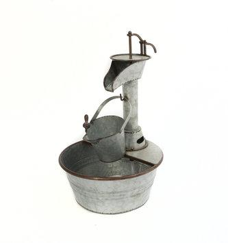 Galvanized Hand Cranked Water Fountain