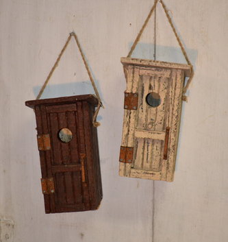 Outhouse Wooden Birdhouse (2 Colors)