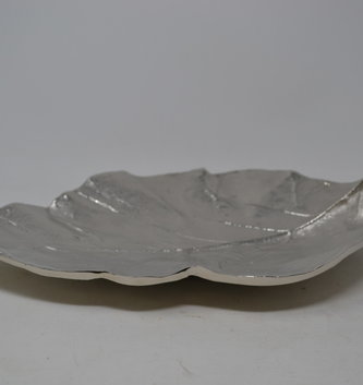 "16"" Cast Aluminum Silver Leaf Tray"