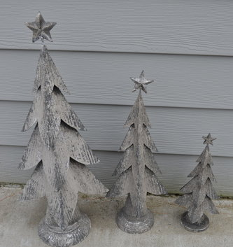 Distressed Metal Christmas Tree (3 Sizes)