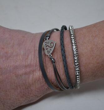 Multi Strand Heart Bracelet (3 Colors)