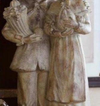 Tabletop Rustic Pilgrim Couple