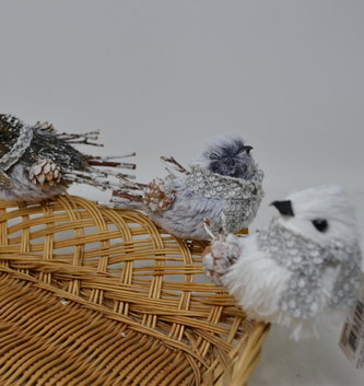Clip On Winter Twig Bird (3-Colors)
