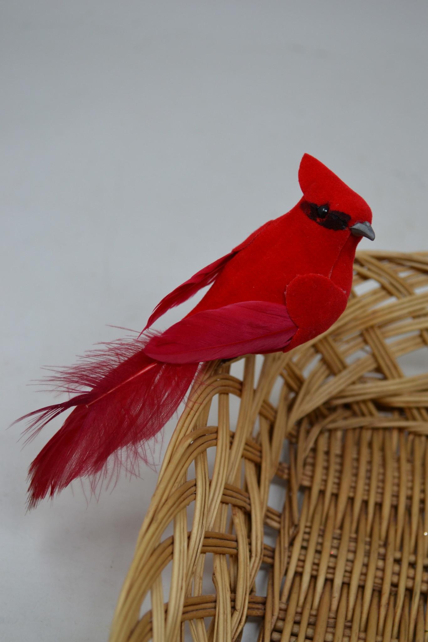 Clip-On Fluffy Tail Cardinal