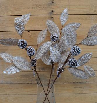 Snowy Laurel Leaf Pinecone Spray