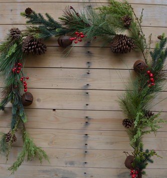 6-Ft Rustic Mixed Pine Bell Garland
