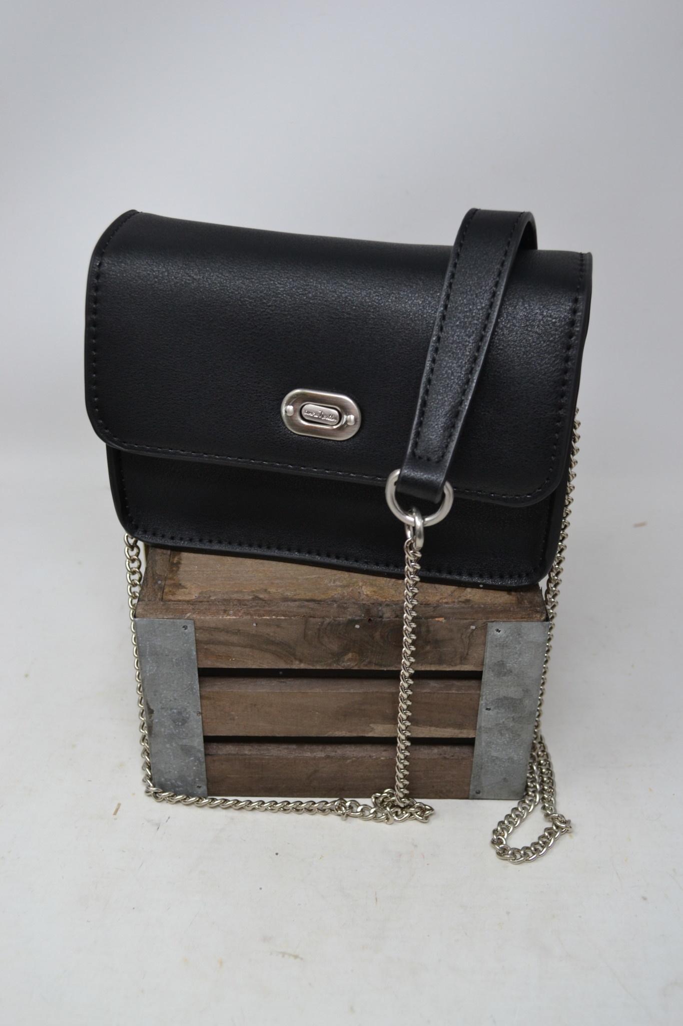 Simply Noelle Everyday Crossbody Bag
