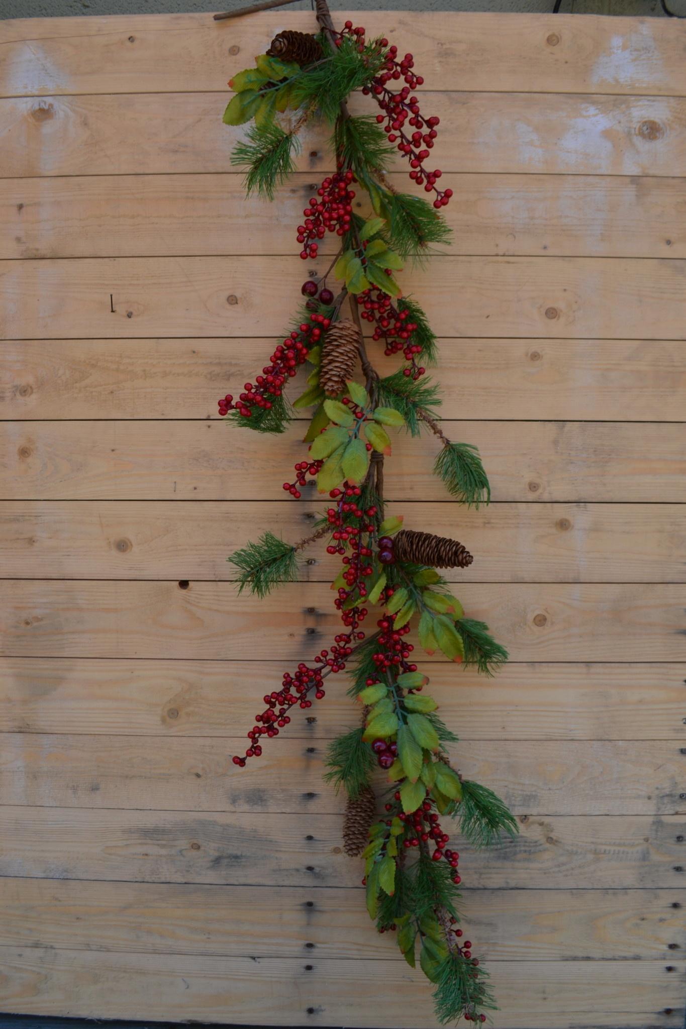4-ft Waterproof Red Berry Pine Leaf Garland