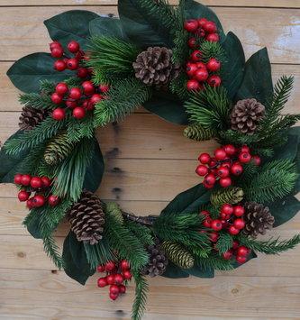 "24"" Mixed Pine Berry Greenery Wreath"