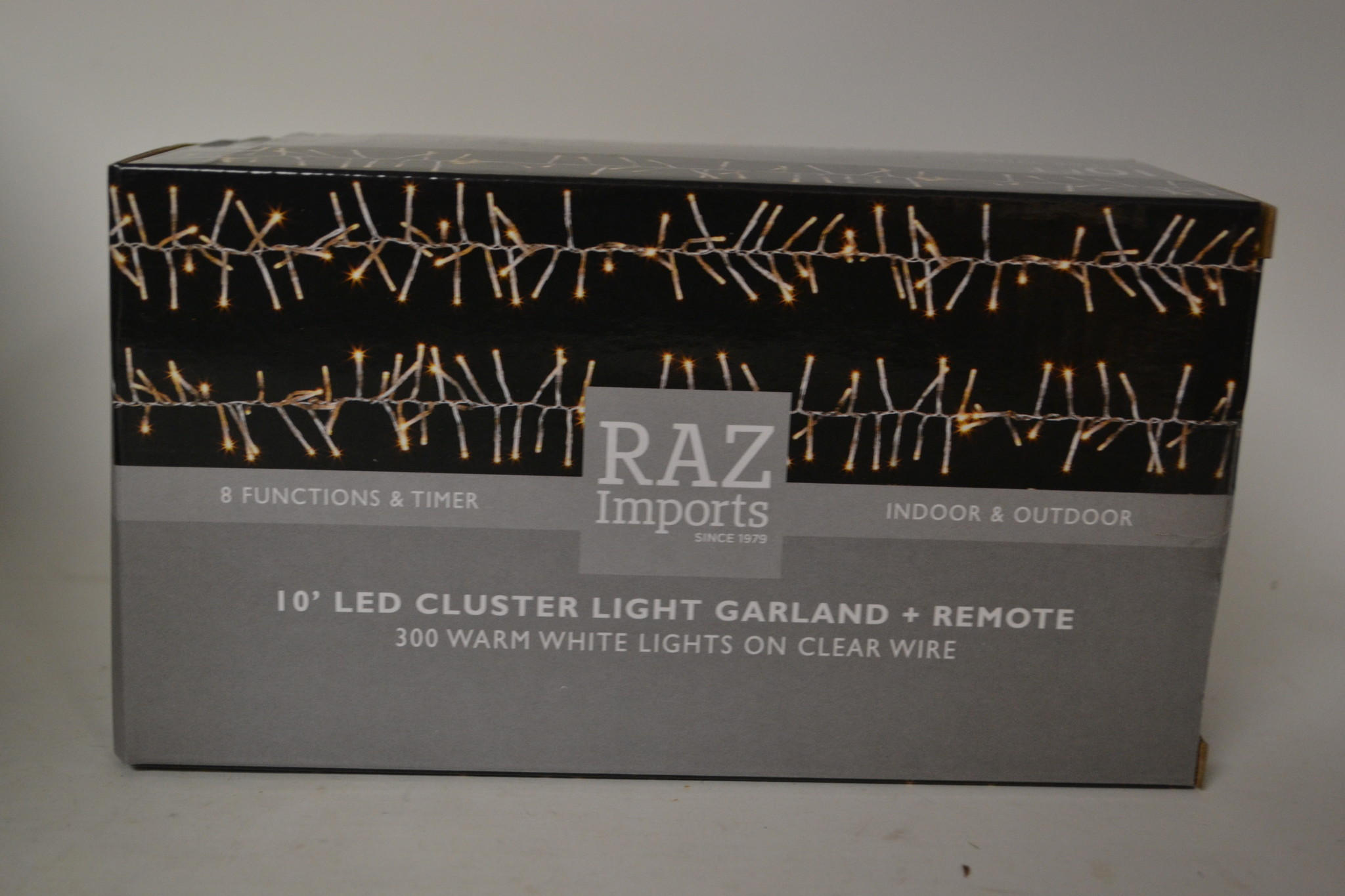 10' Clear Wire Cluster Mantle 300 White Lights w/ Remote