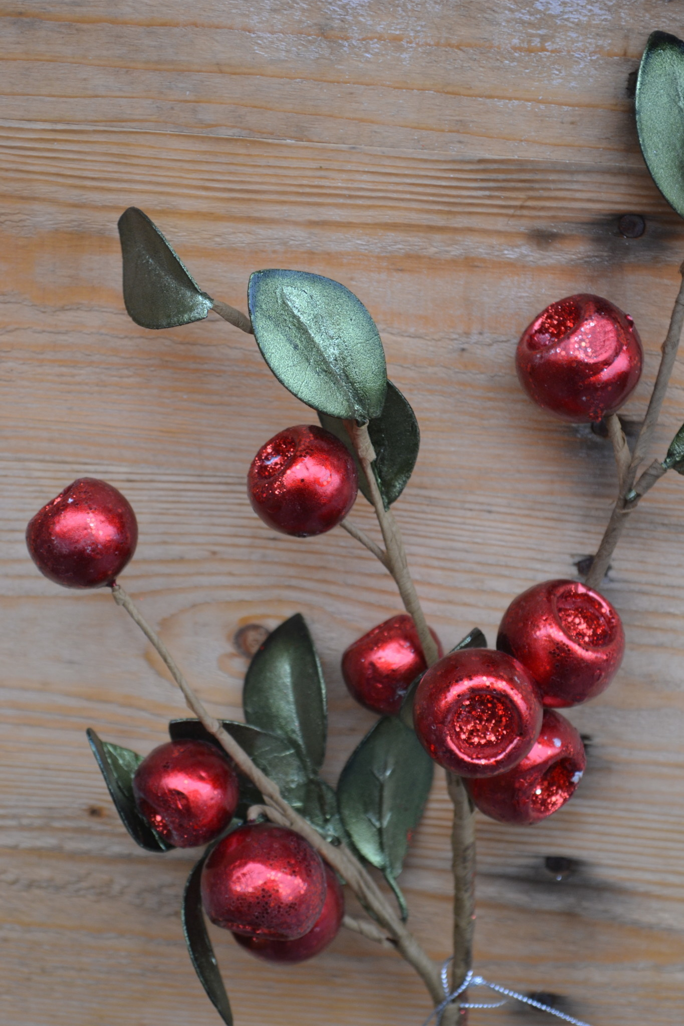 Red Holiday Crater Berry Spray