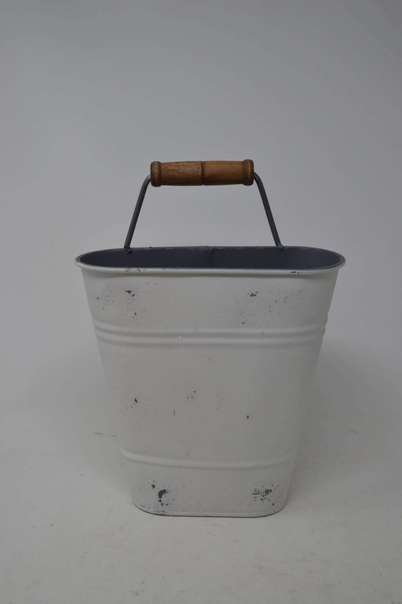 Distressed White Wall Bucket with Handle (3 Sizes)