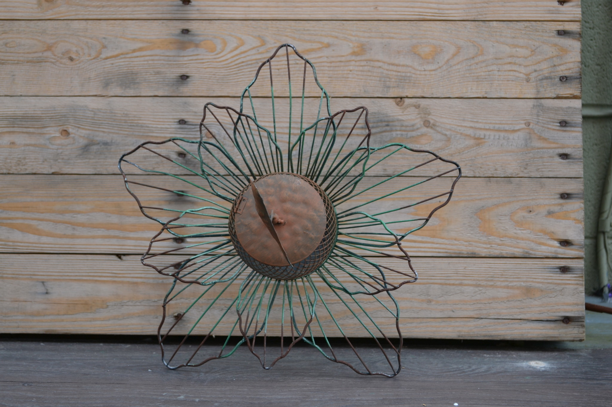 Distressed Green Metal Flower Feeder Stake (3 Styles)