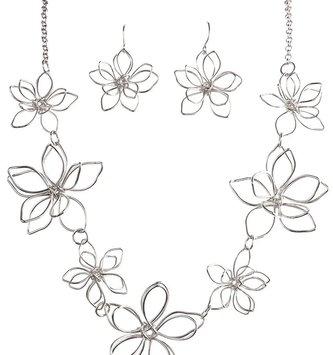 3-D Silver Flower Necklace Set