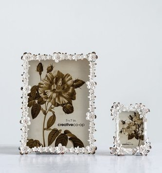 Distressed Metal Flower Trim Frame
