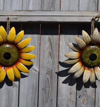Sunflower Hanging Birdhouse (2-Colors)