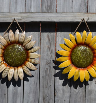 Hanging Metal Sunflower (2-Colors)