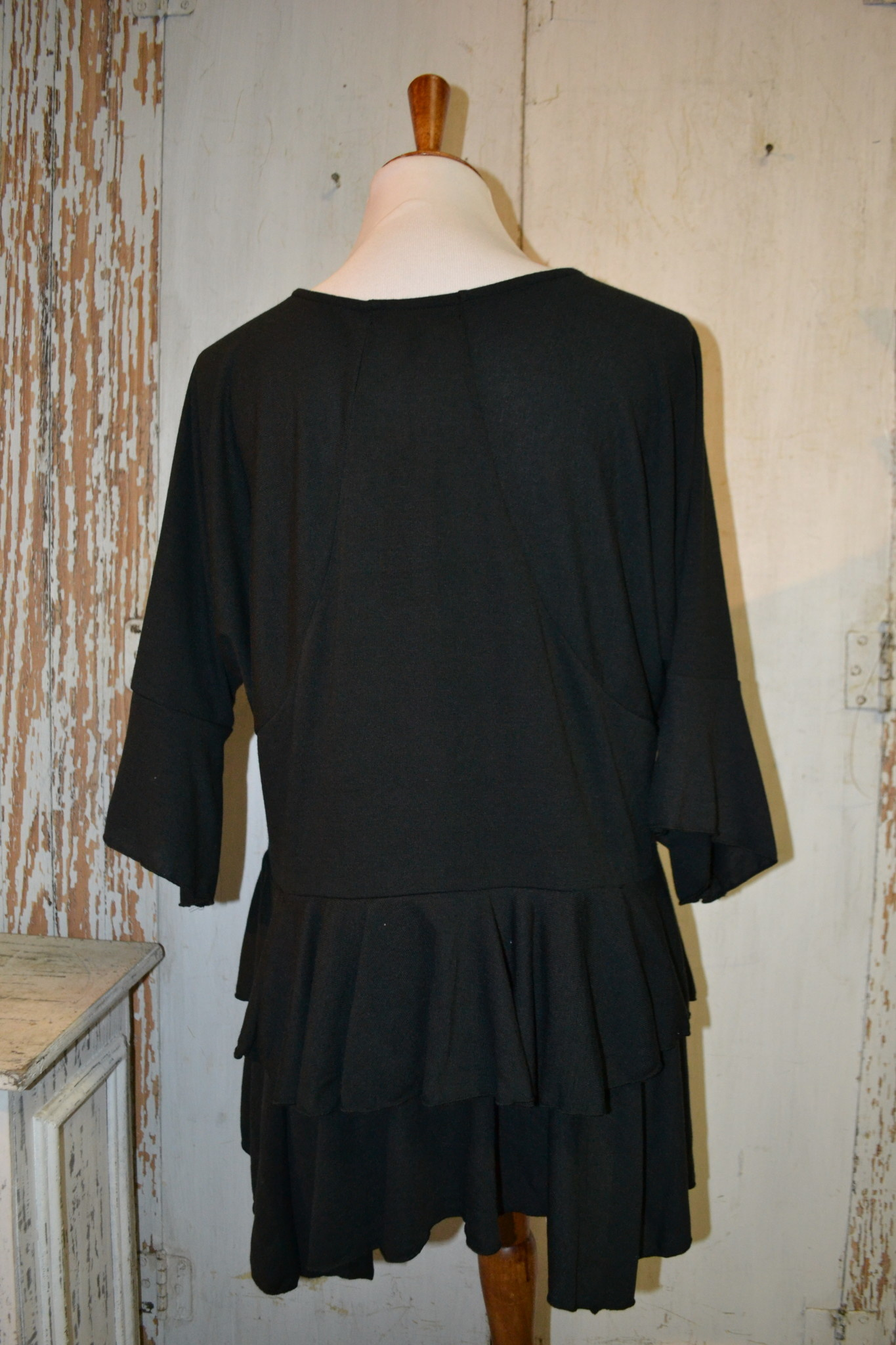 Ruffle Layer Tunic (4-Sizes/2-Colors)
