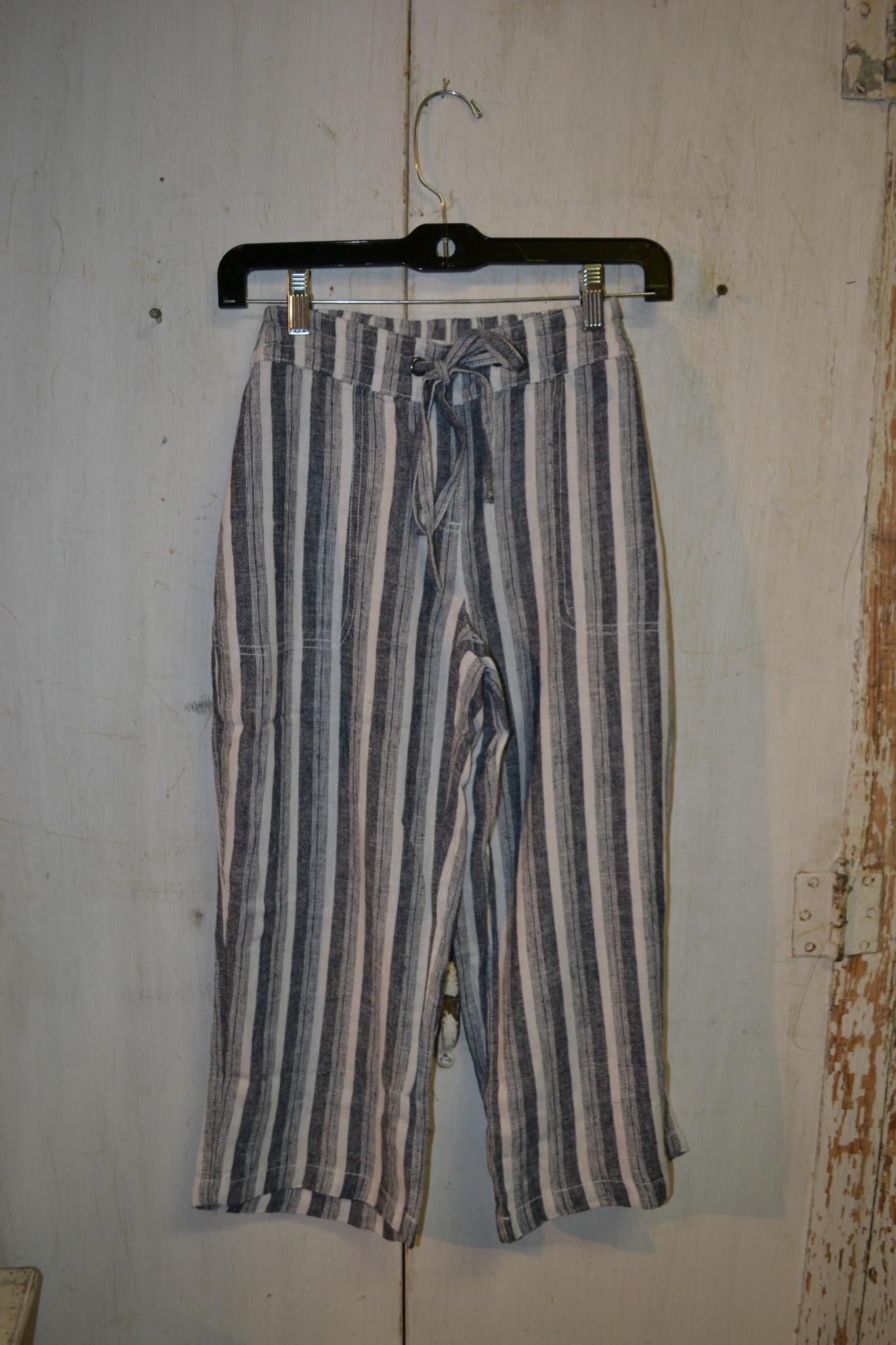 Capri Striped Pants (2-Colors/4-Sizes)