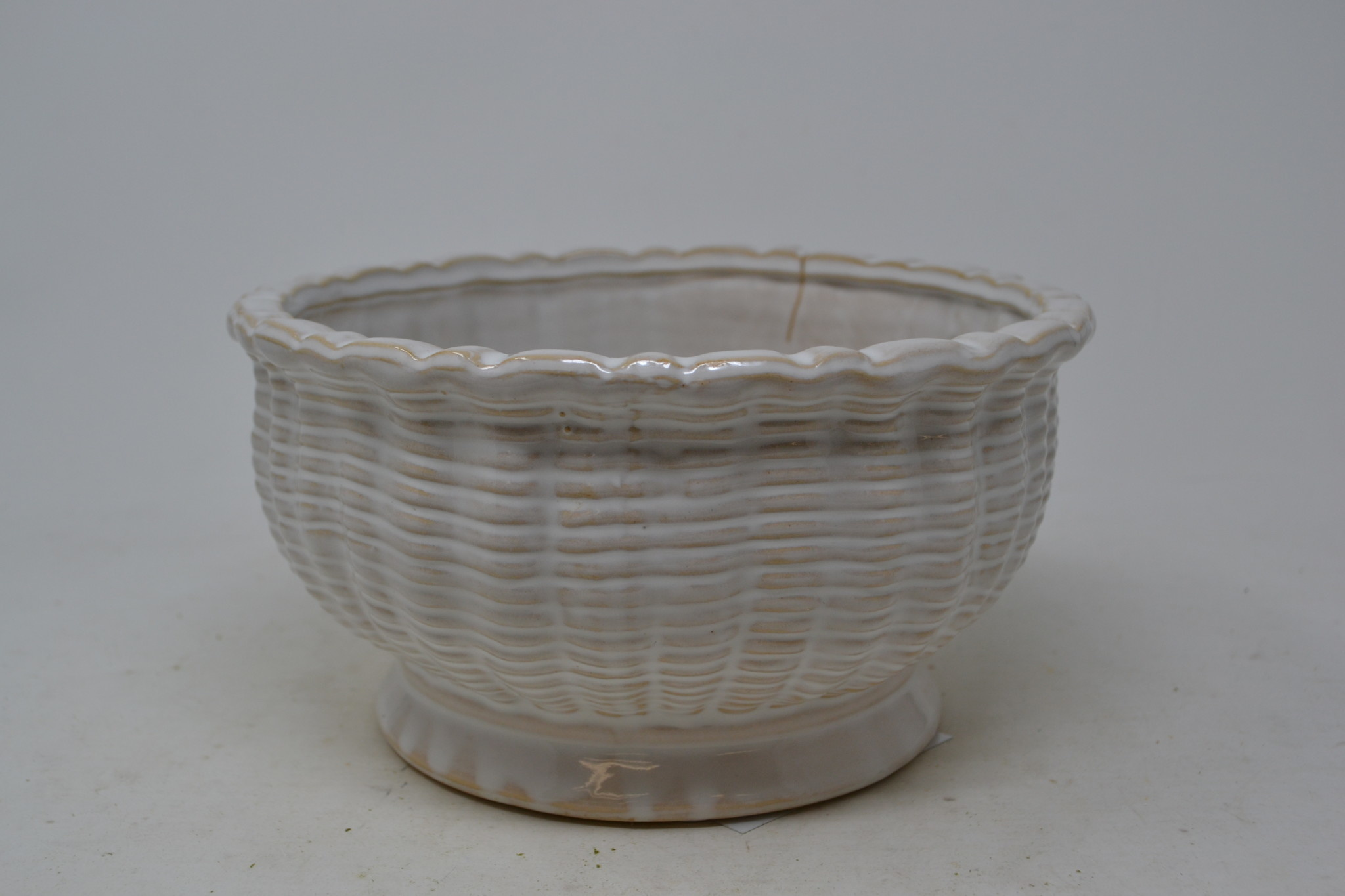 Round Cream Basket Weave Pottery Container
