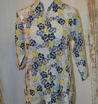 Textured Abstract Floral Button Down Tunic (4-Sizes)