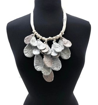 Textured Metallic Mixed Drop Necklace