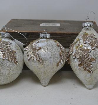 Whitewashed Filigree Leaf Ornament (3-Styles)