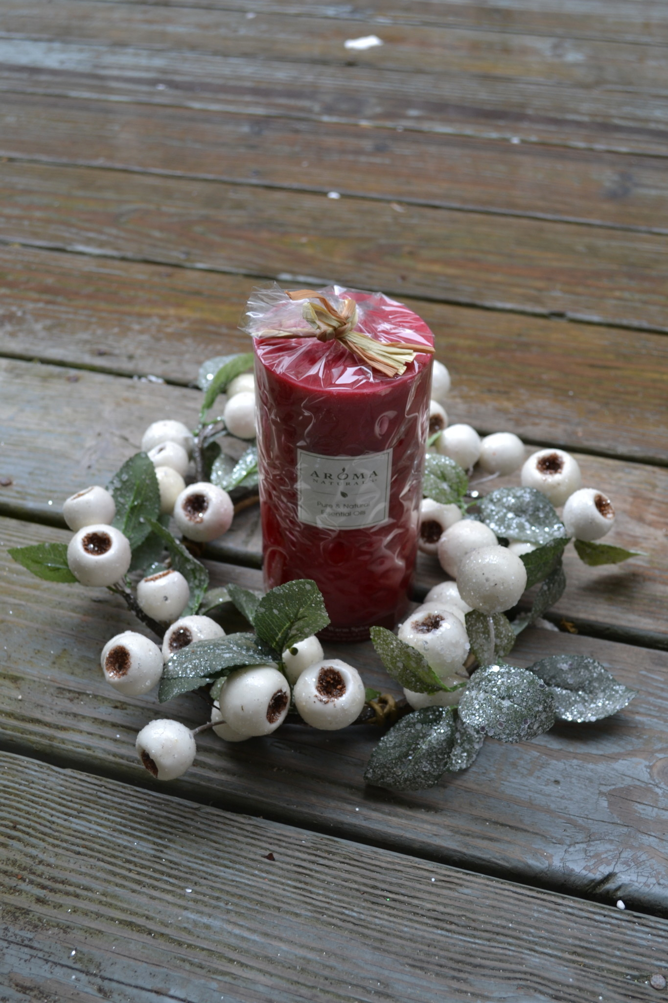 "11"" Frosted Crabapple Candle Ring"