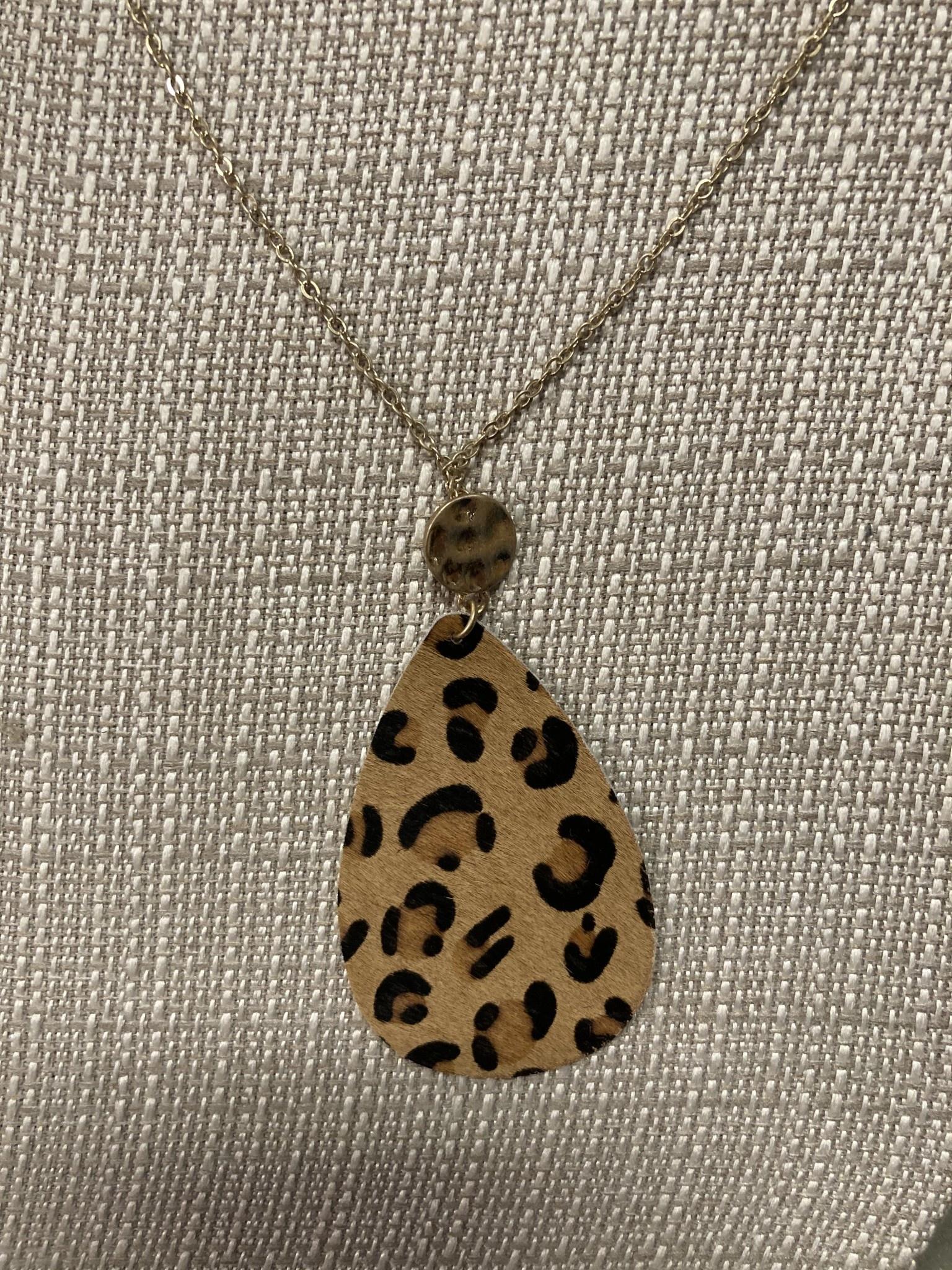 Teardrop Animal Print Necklace (3-Colors)