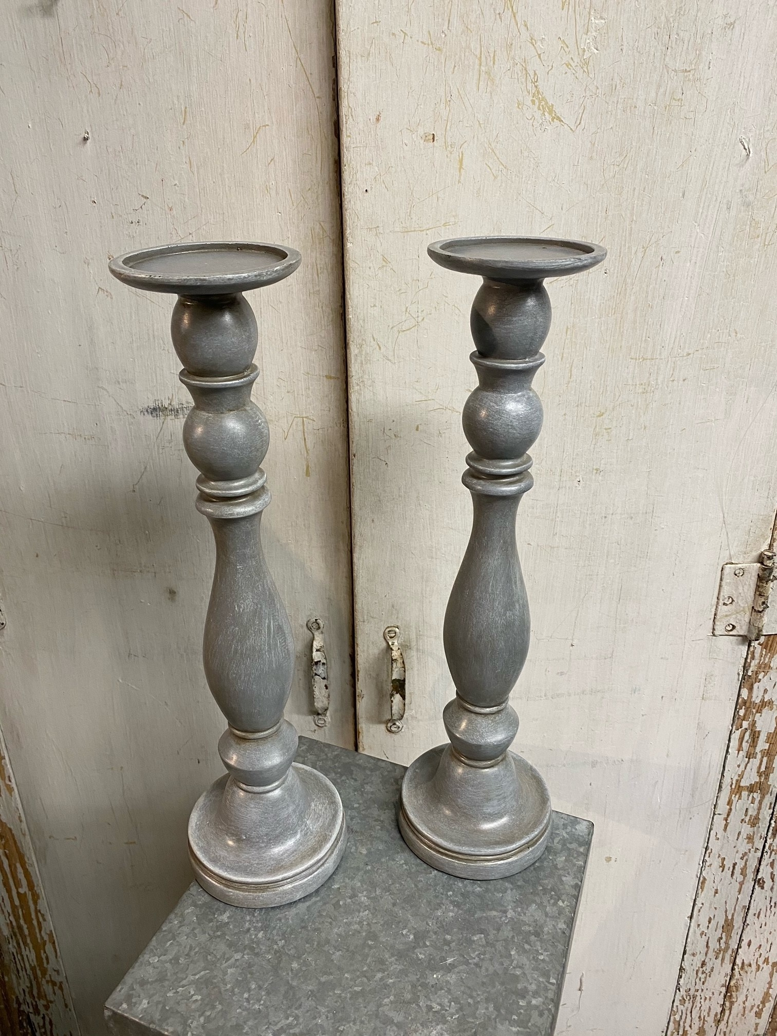 Set of 2 Gray Column Candlesticks (2-Sizes)