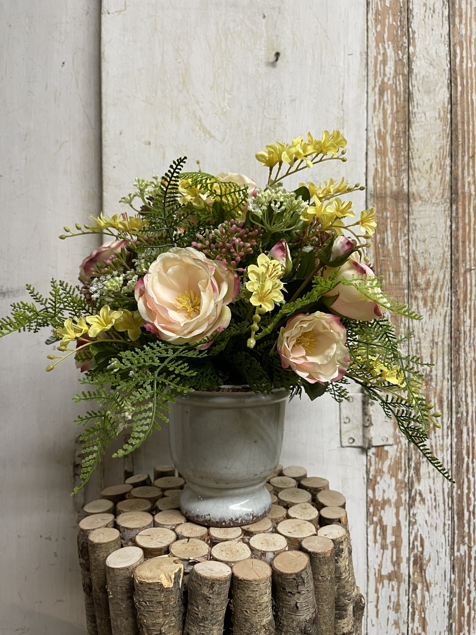 Custom English Rose & Vinca Arrangement