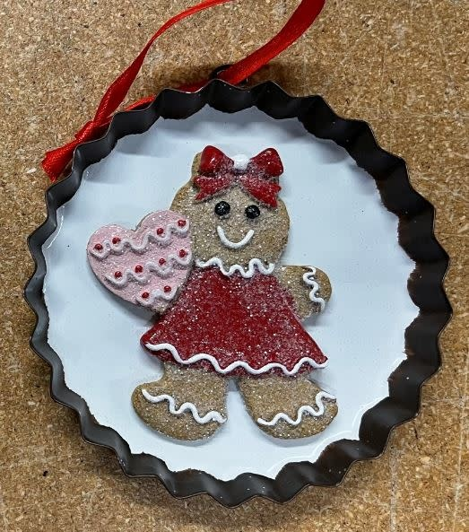 Hanging Gingerbread Ornament (2-Styles)