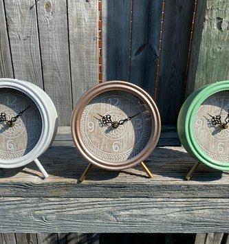 Standing Vintage Clock (3-Colors)
