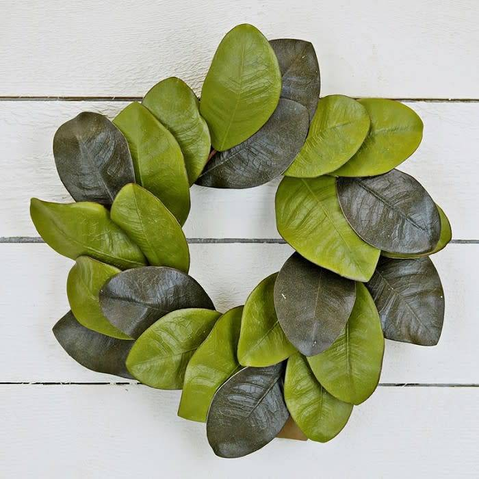 "22"" Magnolia Leaf Wreath"