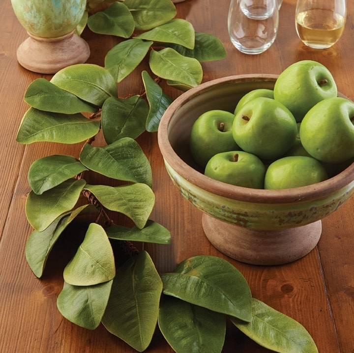 4-Ft. Magnolia Leaf Garland