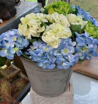 Mini Hydrangea Pick (3 Colors)