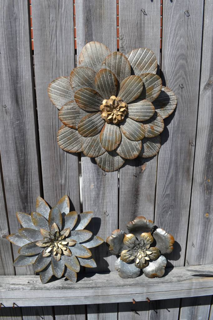 Rustic Silver Wall Flower